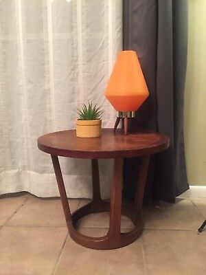 Vintage Mid Century LANE Walnut Round End Side Accent Coffee Table