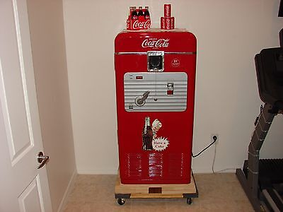 Coke Machine - Antique - Vendorlator 27