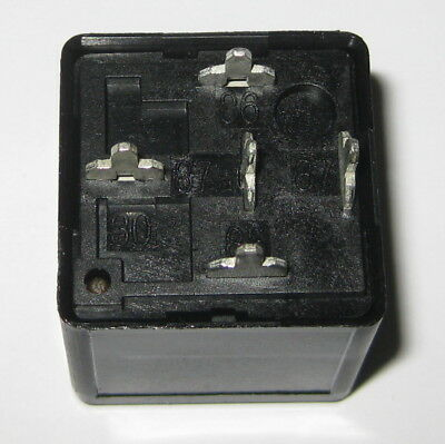 Tyco VF4 Automotive Relay - 40A N.O. / 30A N.C. - 14 VDC SPST Contacts - 12 V DC