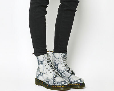 f281b695fe96 WOMENS DR. MARTENS 8 Eyelet Lace Up Boots Light Grey Metallic Snake Skin  Boots - EUR 94,97 | PicClick FR