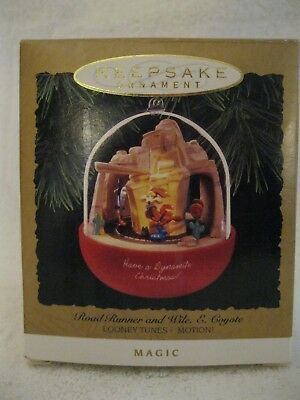 "Hallmark Ornament 1993 ""road Runner And Wile E. Coyote"" Looney Tunes"