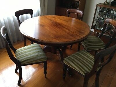 Antique Cedar Dining Round Table and 6 chairs