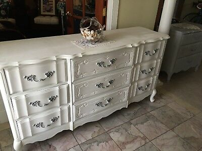 French Prvincial 9 Drawer Dresser