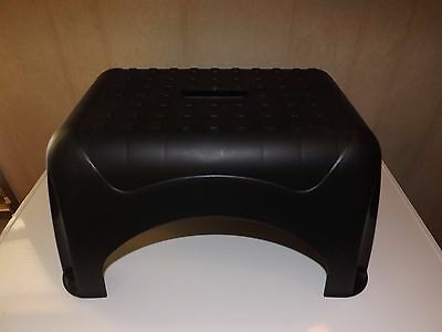 Starplast Heavy Duty Step Stool Gripped Feet And Stool With Center Hand Grip NEW