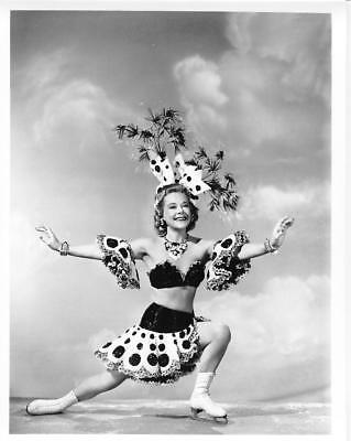 SONIA SONJA HENIE HOLLYWOOD ICE SKATING STAR photo (bv1-10)