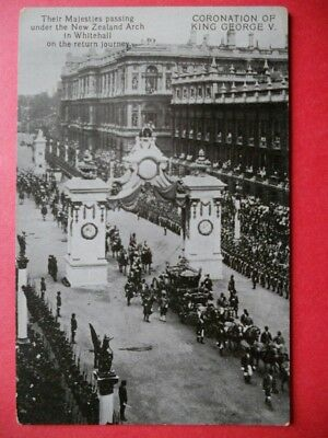 CORONATION OF KING GEORGE V. :Their Majesties passing Under the New Zéland Arch.