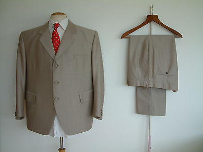 """BESPOKE SUIT...3 PIECE..MOLD & RUSSELL TAILORS..48"""" x 42""""..CLOTH MATCHED BUTTONS"""