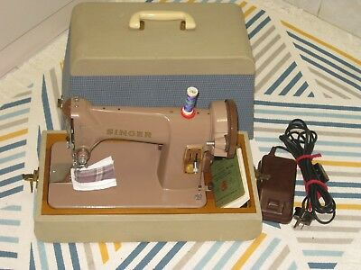 Singer 185K  Electric Foot Pedal Operated Sewing Machine With Carry Case.