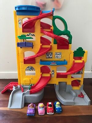 Fisher Price Little People stand up car ramp