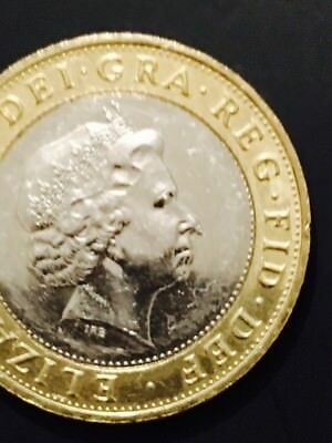 QUEEN HAS COLD Or Bleed On Nose RARE 2£ 2014 Technology Coin Mint Error..