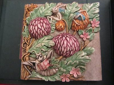 Harmony Kingdom Picturesque MUM'S READING ROOM TILE Byron's Secret Garden(4:15N)