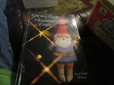 Hardcover The Gnome Book Of Christmas Crafts 1980 (34)