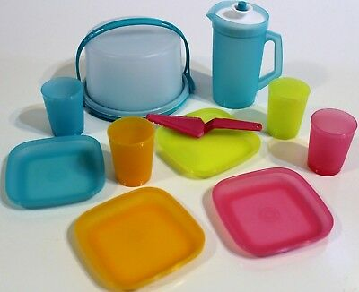 Tupperware Mini Party Cake Taker Pitcher Plates Tumblers Toy 11 Piece Set NEW