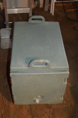 Cambro 300MPC Insulated Food Pan Carrier Light Military Green