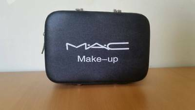 MAC MAKE UP BAG WITH BRUSH COMPARTMENTS waterproof (BLACK)