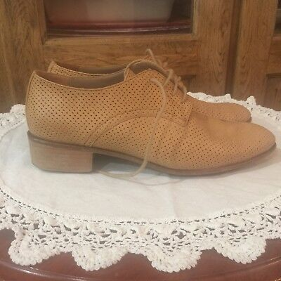 habbot. womens shoe Sz 38,hole-punched lace-up derby in Camel, bargain price