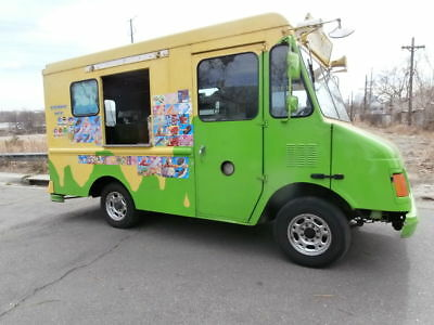 """2001 Chevy """"real"""" Ice Cream & Snow Cone Truck W/ Huge Nelson Cold Plate Freezer!"""