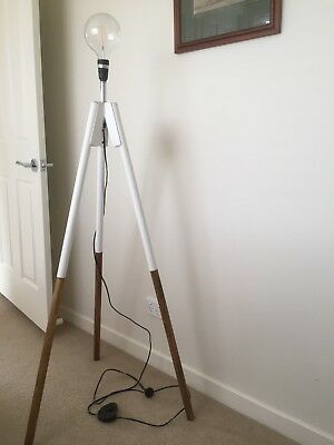 Tripod Standard Light