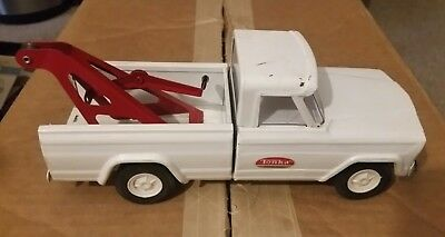 Tonka Pressed Steel White Jeep Tow Truck Vintage 1960's Stamped bottom 52030