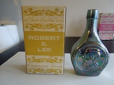 "Wheaton Glass Company Iridescent Green 8 1/4"" Robert E. Lee In Box"