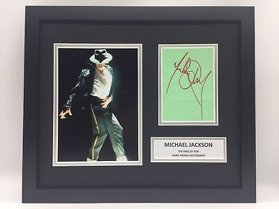 RARE Michael Jackson Hand Signed Photo Display + COA AUTOGRAPH FRAMED MUSIC