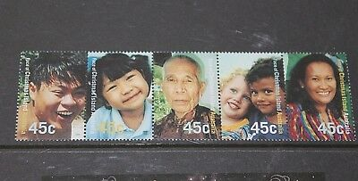Christmas Island 2000 Local Faces Strip Of 5 Very Fine  M/n/h