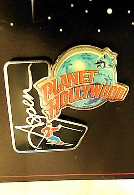 PLANET HOLLYWOOD ~ Globe ASPEN Shooting Star SKIER ~ Lapel Pin NEW on CARD