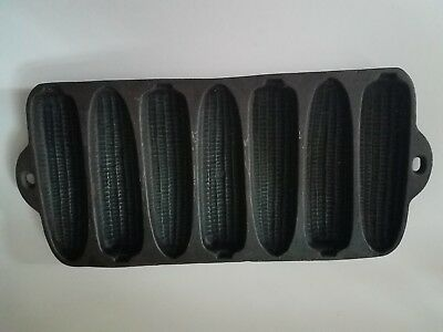 Vintage CAST IRON CORN BREAD PAN Skillet Mold 7 Ears Muffin Baking