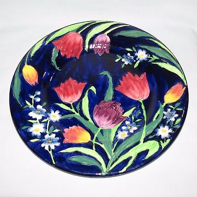 MALING ENGLAND TUBELINED TULIPS PATTERN BLUE BACKGROUND PLATE c1935