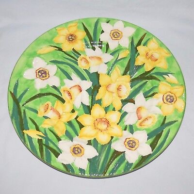 MALING ENGLAND TUBELINED DAFFODILS PLATE GREEN BACKGROUND c.1935