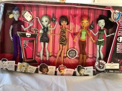 2014 MONSTER HIGH BOX SET New Box Damaged 5 Dolls The Student Disembody Council