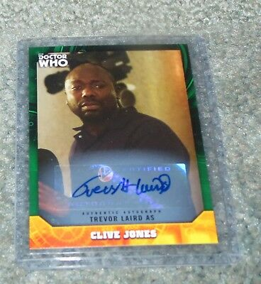 2017 Doctor Who Signature Series Clive Jones Autograph - green parallel 11 / 50