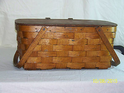 """Antique c1930-1940's Hand Woven """"Large"""" Basket w/Hinged Lid & Handles"""