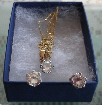 9 ct gold earrings and pendant