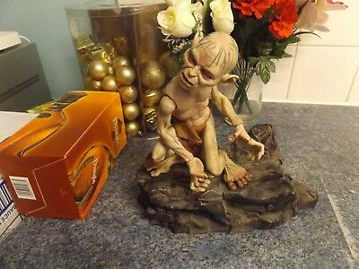 Lord Of The Rings Collectible Gollum Figure With 2 Different Heads.