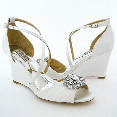 """Badgley Mischka Tacey, Weding Shoes 6M, White, 3"""" Wedge, Ornament"""