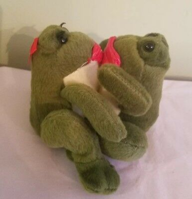 "Kissing Frog Pair mechanical plush 3.75 "" tall Sweethearts lips RARE! Super Cute"