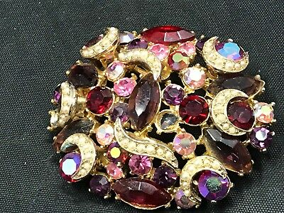 Stunning Vintage Estate Find Brooch Red Stones Mini White Pearl Rose Stones A9