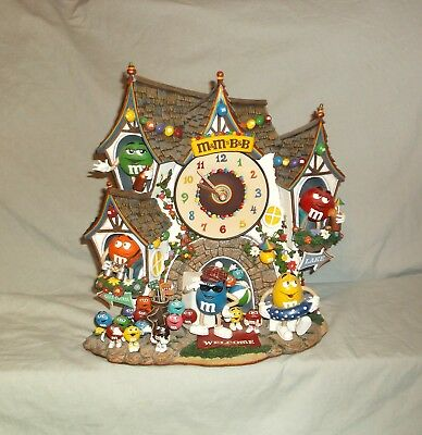M&M's Danbury Mint Bed and Breakfast Clock  Collectible Retired  2005  RARE HTF
