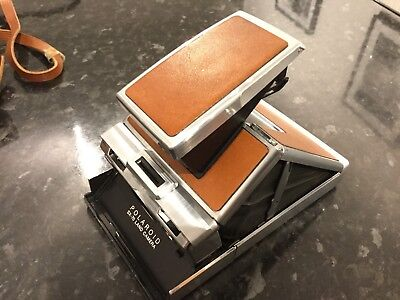 Old Vintage Polaroid SX-70 Land Camera With learner Case