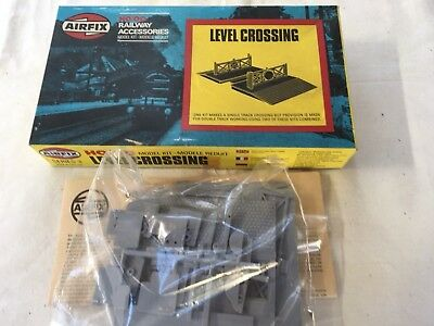 Airfix Level Crossing kit in OO scale