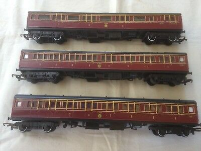 3 Triang LMS Maroon passenger coaches in OO scale.