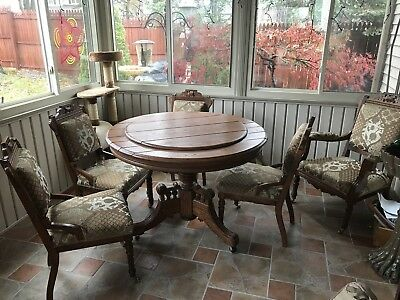 Antique Round Oak with chairs late 1800's ❤️❤️❤️❤️❤️❤️❤️❤️❤️❤️❤️❤️❤️❤️❤️❤️❤️❤️❤️