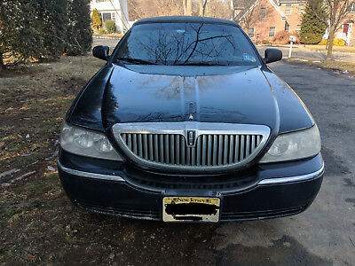 2004 Lincoln Town Car Signature 2004 Lincoln Town Car Signature Sedan
