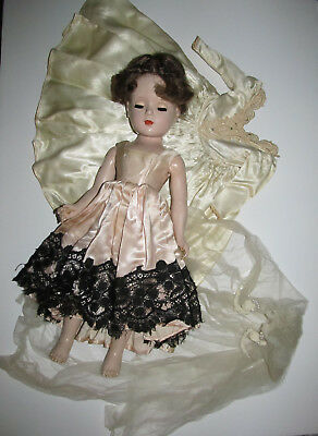"Vintage HP 17"" Madame Alexander Bride Doll w Tagged Gown, Veil + Extra Dress"