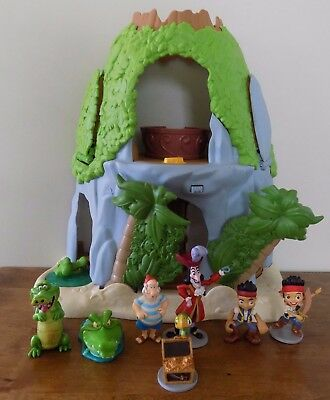 Jake and the Neverland Pirates Magical Tiki Hideout Playset With Figures