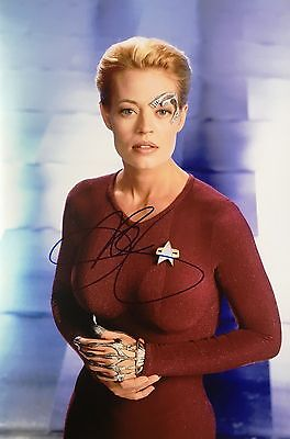 7of 9 JERI RYAN SIGNED STAR TREK VOYAGER 15x10 PHOTOGRAPH - UACC RD AUTOGRAPH