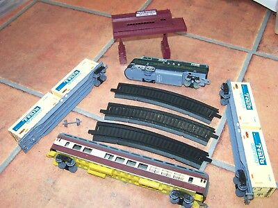 KandyToys ~ Specialized Train plus coach & container wagons