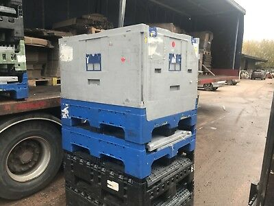 Stackable Collapsible Pallet