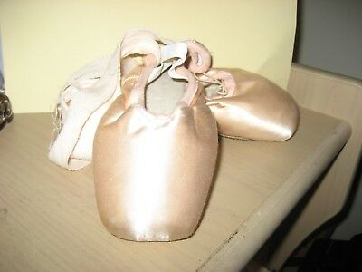 Ballet/ Pointe Shoes, , size 38, excellent used condition